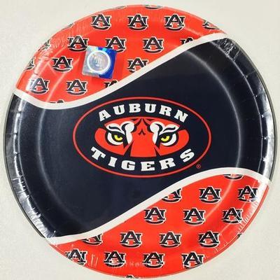 Auburn Paper Dinner Plates (8pk)