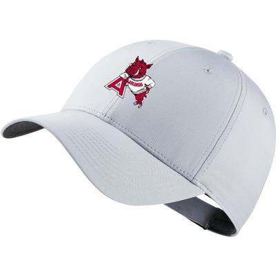 Arkansas Nike Golf Dri-Fit Leaning Hog Tech Cap