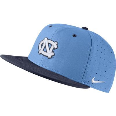 UNC Nike Aero Baseball Fitted Cap VALOR_BLUE/NVY