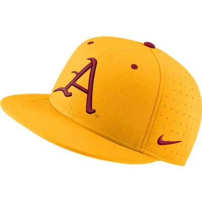 Arkansas Nike Aerobill Baseball Fitted Hat UNIV_GOLD