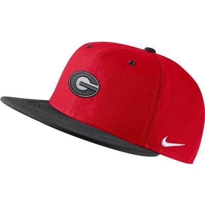 Georgia Nike Aero Fitted Baseball Cap UNIVERSITY_RED