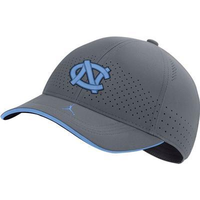 UNC Men's Nike Jordan Brand Sideline Aero L91 Adjustable Hat