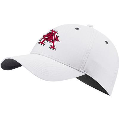 Arkansas Nike Golf Men's Vault L91 Hog A Tech Adjustable Hat WHITE