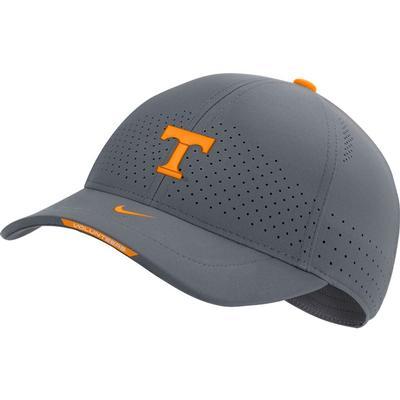 Tennessee Nike Men's Sideline Aero L91 Adjustable Hat