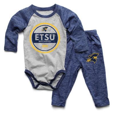 ETSU Infant Cloudy Yarn Long Sleeve Onesie Set
